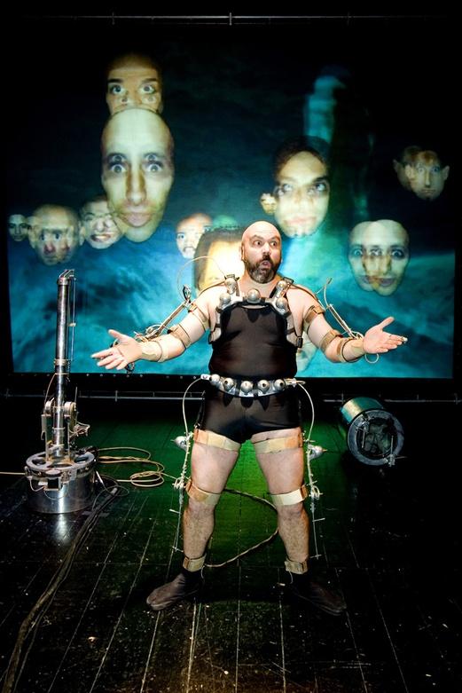 Afasia1998. Mechatronic Performance. Sirefaz  Scene. Author: Marcel·lí Antúnez Roca. Photo: Carles Rodriguez.