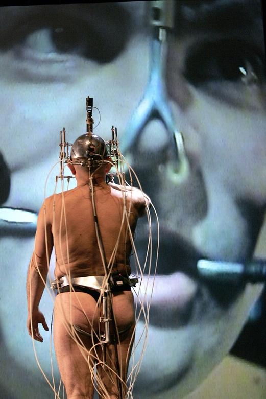 Epizoo 1994. Interactive Performance.  Anus Scene. Author: Marcel·lí Antúnez Roca. Photo: Carles Rodriguez.