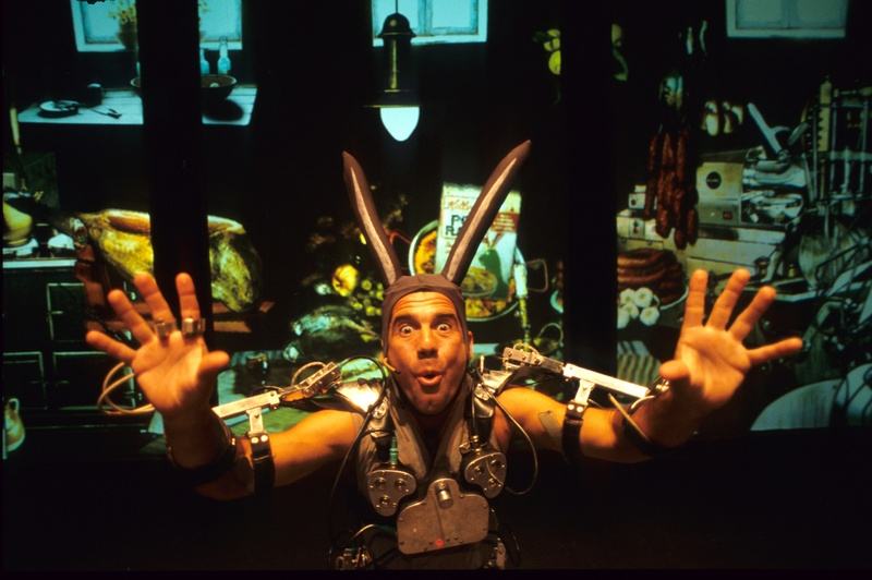 Pol 2002, Mechatronic performance. Java scene. Author: Marcel·lí Antúnez Roca. Photo: Darius Koehli.
