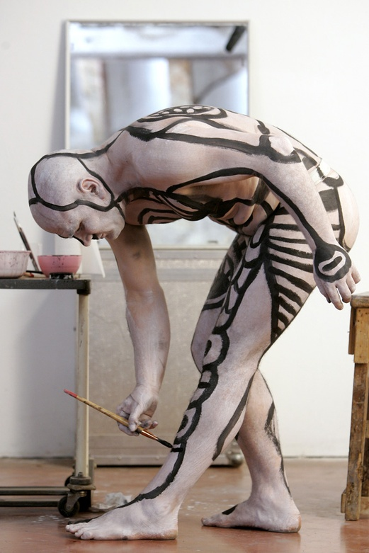 El DIBUIXANT 2005. Documentary film. Self painted. Author: Marcel·lí Antúnez Roca. Photo: Carles Rodriguez.