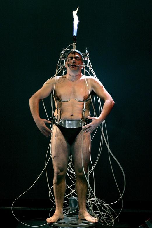Epizoo 1994. Interactive Performance. Extem Golem scene. Author: Marcel·lí Antúnez Roca. Photo: Carles Rodriguez.
