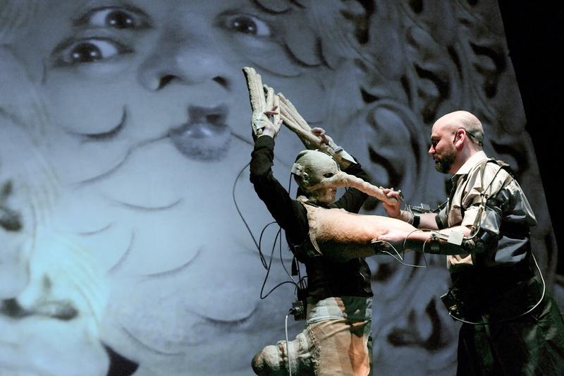 Protomembrana 2006. Interactive Performance. Epidermia scene. Author: Marcel·lí Antúnez Roca. Photo: Carles Rodriguez.