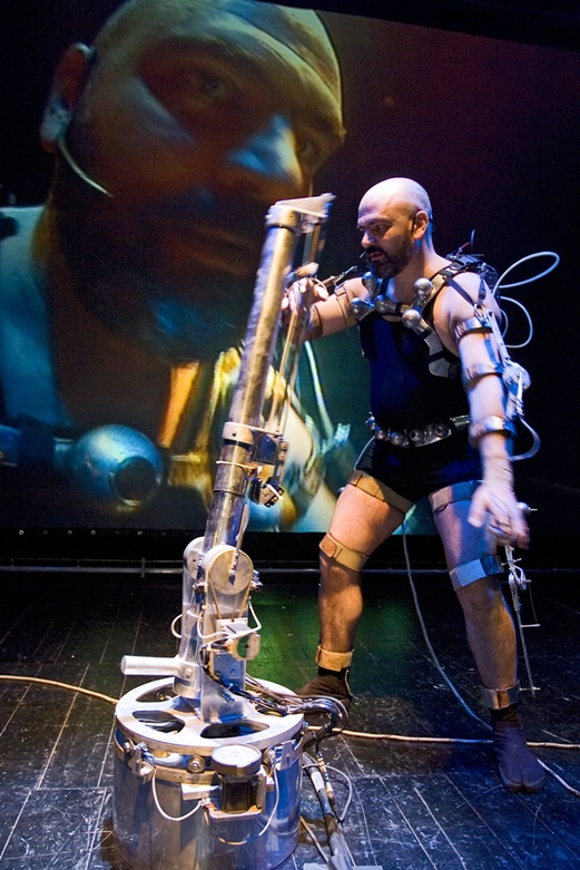 Afasia1998. Mechatronic Performance. Demo robots scene. Author: Marcel·lí Antúnez Roca. Photo: Carles Rodriguez.