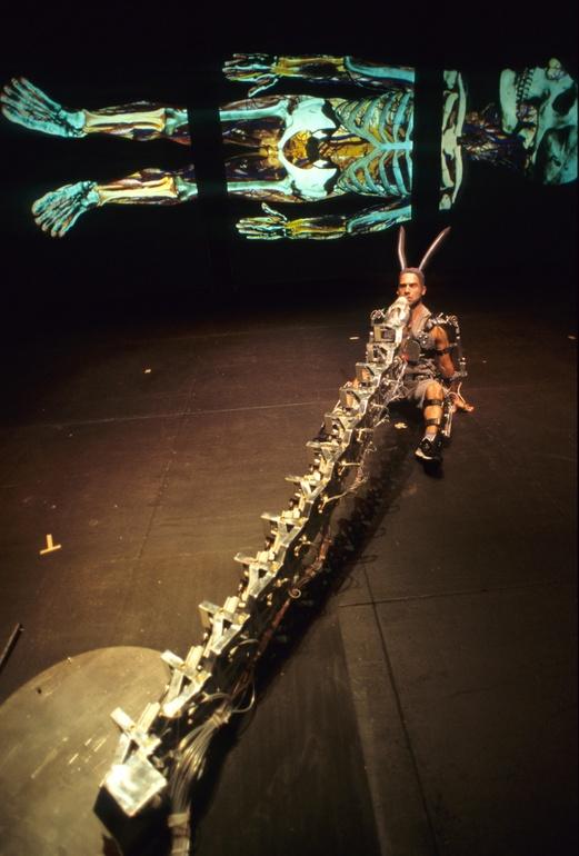 Pol 2002, Mechatronic performance. Serpe scene. Author: Marcel·lí Antúnez Roca. Photo: Darius Koehli.