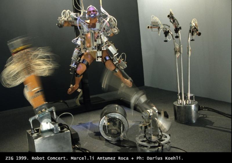 Requiem 1999. Robot. ZIG robot concert. Author: Marcel·lí Antúnez Roca. Photo: Darius Koehli.