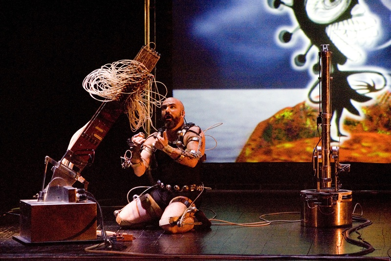 Afasia1998. Mechatronic Performance. Circe scene. Author: Marcel·lí Antúnez Roca. Photo: Carles Rodriguez.