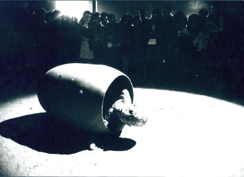 La Fura dels Baus. Accions 1984. Homes de Famg scene. Author: La fura dels baus. Photo: Josep Gol.