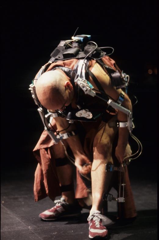 Pol 2002, Mechatronic performance. Dreskeleton. Author: Marcel·lí Antúnez Roca. Photo: Darius Koehli.